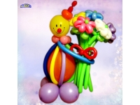 Фигуры из шаров. Клоун с букетом.