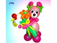 Фигуры из шаров. Мишка-девочка с цветами