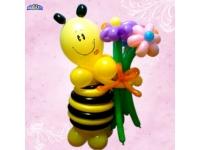 Фигуры из шаров. Пчелка с цветочками