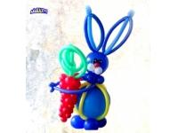 Фигуры из шаров. Заяц синий, с морковкой