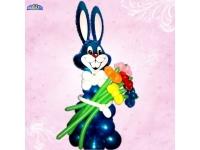 Фигуры из шаров. Заяц с цветами